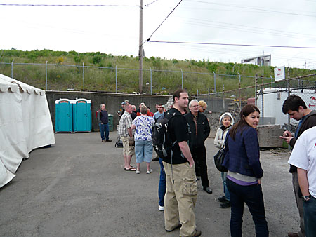 Early Birds at the front of the line for FredFest 08